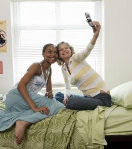 selfie in dorm 200432754-001