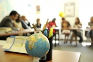 globe and classroom 183072136